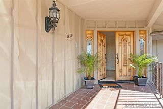 Photo 3: MOUNT HELIX House for sale : 5 bedrooms : 9833 Edgar Pl in La Mesa