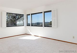 Photo 10: MOUNT HELIX House for sale : 5 bedrooms : 9833 Edgar Pl in La Mesa