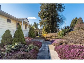 "Photo 8: 820 STEWART Avenue in Coquitlam: Coquitlam West House for sale in ""Central Coquitlam"" : MLS®# R2453564"