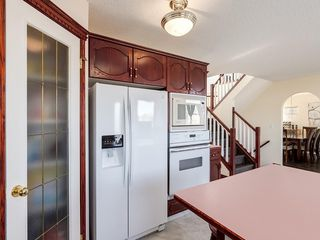 Photo 10: 359 RIVERVIEW Place SE in Calgary: Riverbend Detached for sale : MLS®# C4295194