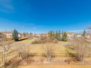 Photo 2: 359 RIVERVIEW Place SE in Calgary: Riverbend Detached for sale : MLS®# C4295194