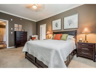 """Photo 12: 402 2038 SANDALWOOD Crescent in Abbotsford: Central Abbotsford Condo for sale in """"The Element"""" : MLS®# R2477940"""