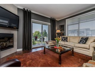 "Photo 4: 402 2038 SANDALWOOD Crescent in Abbotsford: Central Abbotsford Condo for sale in ""The Element"" : MLS®# R2477940"