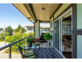 "Photo 21: 402 2038 SANDALWOOD Crescent in Abbotsford: Central Abbotsford Condo for sale in ""The Element"" : MLS®# R2477940"