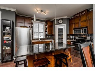 """Photo 7: 402 2038 SANDALWOOD Crescent in Abbotsford: Central Abbotsford Condo for sale in """"The Element"""" : MLS®# R2477940"""