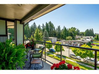 "Photo 19: 402 2038 SANDALWOOD Crescent in Abbotsford: Central Abbotsford Condo for sale in ""The Element"" : MLS®# R2477940"