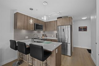 """Photo 3: 406 2477 CAROLINA Street in Vancouver: Mount Pleasant VE Condo for sale in """"MIDTOWN"""" (Vancouver East)  : MLS®# R2498794"""