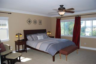 Photo 10: House for sale : 4 bedrooms : 1079 Greenway Rd in Oceanside