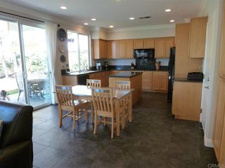 Photo 5: House for sale : 4 bedrooms : 1079 Greenway Rd in Oceanside