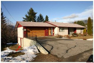 Photo 2: 1881 SE 2nd Avenue in Salmon Arm: SE Hillcrest Residential Detached for sale : MLS®# 10043481