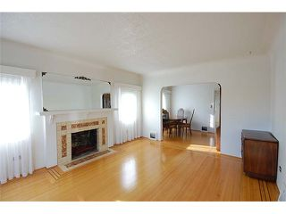 Photo 2: 1737 LONDON Street in New Westminster: West End NW House for sale : MLS®# V999010