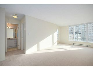 Photo 1: 601 5189 GASTON Street in Vancouver: Collingwood VE Condo for sale (Vancouver East)  : MLS®# V1102108
