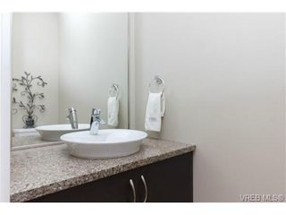 Photo 9: 652 Granrose Terrace in VICTORIA: Co Latoria Single Family Detached for sale (Colwood)  : MLS®# 347160