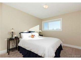 Photo 12: 652 Granrose Terrace in VICTORIA: Co Latoria Single Family Detached for sale (Colwood)  : MLS®# 347160