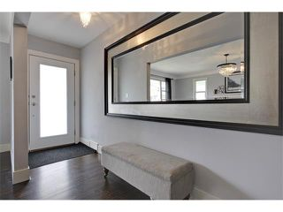 Photo 2: 419 49 Avenue SW in Calgary: Elboya House for sale : MLS®# C4008059