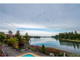 Photo 3: 207 485 Island Hwy in VICTORIA: VR Six Mile Condo Apartment for sale (View Royal)  : MLS®# 702261