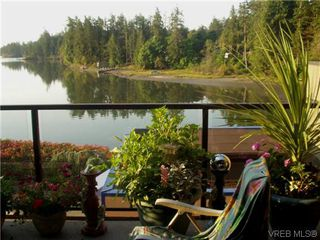 Photo 1: 207 485 Island Hwy in VICTORIA: VR Six Mile Condo Apartment for sale (View Royal)  : MLS®# 702261
