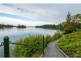 Photo 17: 207 485 Island Hwy in VICTORIA: VR Six Mile Condo Apartment for sale (View Royal)  : MLS®# 702261