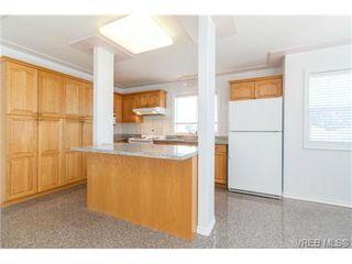 Photo 6: 1283 Santa Rosa Ave in VICTORIA: SW Strawberry Vale House for sale (Saanich West)  : MLS®# 705878