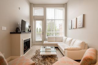 "Photo 4: 103 2970 KING GEORGE Boulevard in Surrey: Elgin Chantrell Condo for sale in ""WATERMARK"" (South Surrey White Rock)  : MLS®# R2011734"