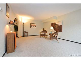 Photo 3: 101 1235 Johnson St in VICTORIA: Vi Downtown Condo Apartment for sale (Victoria)  : MLS®# 716841