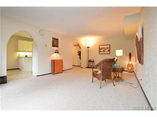 Photo 4: 101 1235 Johnson St in VICTORIA: Vi Downtown Condo for sale (Victoria)  : MLS®# 716841