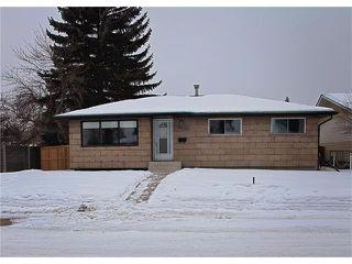 Photo 1: 9835 ALCOTT Road SE in Calgary: Acadia House for sale : MLS®# C4045268