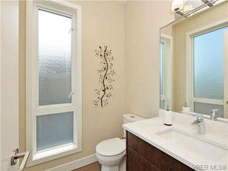 Photo 6: 8 1060 Tillicum Rd in VICTORIA: Es Kinsmen Park Row/Townhouse for sale (Esquimalt)  : MLS®# 719686