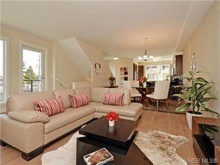 Photo 2: 8 1060 Tillicum Rd in VICTORIA: Es Kinsmen Park Row/Townhouse for sale (Esquimalt)  : MLS®# 719686