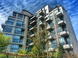 "Photo 1: 508 7 RIALTO Court in New Westminster: Quay Condo for sale in ""MURANO LOFTS"" : MLS®# R2046001"