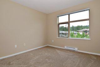 "Photo 7: 305 500 KLAHANIE Drive in Port Moody: Port Moody Centre Condo for sale in ""KLAHANIE"" : MLS®# R2071746"