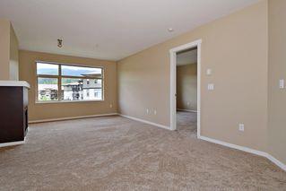 "Photo 4: 305 500 KLAHANIE Drive in Port Moody: Port Moody Centre Condo for sale in ""KLAHANIE"" : MLS®# R2071746"