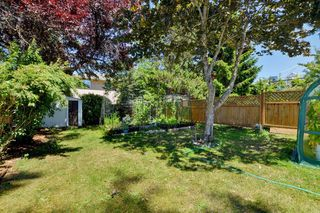 Photo 15: 417 Langford St in VICTORIA: VW Victoria West Half Duplex for sale (Victoria West)  : MLS®# 735440