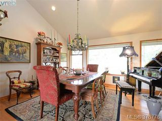Photo 4: 980 Perez Drive in VICTORIA: SE Broadmead Single Family Detached for sale (Saanich East)  : MLS®# 376776
