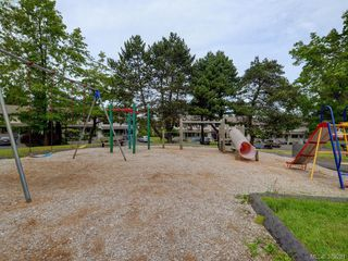 Photo 17: 301 642 Agnes Street in VICTORIA: SW Glanford Townhouse for sale (Saanich West)  : MLS®# 379281