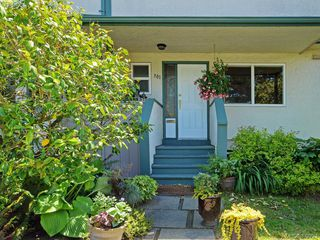 Photo 18: 301 642 Agnes Street in VICTORIA: SW Glanford Townhouse for sale (Saanich West)  : MLS®# 379281