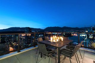 "Main Photo: 3201 1331 ALBERNI Street in Vancouver: West End VW Condo for sale in ""The Lions"" (Vancouver West)  : MLS®# R2199747"