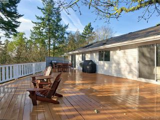 Photo 4: 11035 Larkspur Lane in NORTH SAANICH: NS Swartz Bay House for sale (North Saanich)  : MLS®# 777746