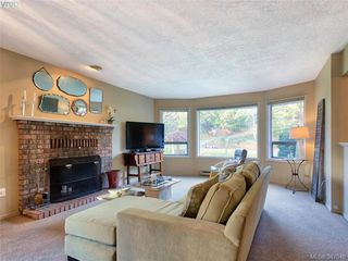 Photo 2: 11035 Larkspur Lane in NORTH SAANICH: NS Swartz Bay House for sale (North Saanich)  : MLS®# 777746