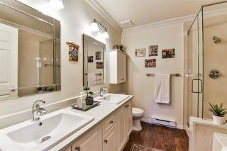 "Photo 17: 39 15037 58 Avenue in Surrey: Sullivan Station Townhouse for sale in ""WOODBRIDGE"" : MLS®# R2244120"