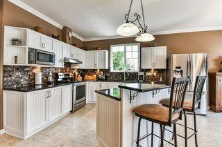 "Photo 6: 39 15037 58 Avenue in Surrey: Sullivan Station Townhouse for sale in ""WOODBRIDGE"" : MLS®# R2244120"