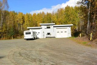 Photo 2: 5251 N FIRST Avenue: Hazelton House for sale (Smithers And Area (Zone 54))  : MLS®# R2246166
