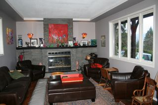 "Photo 15: 8449 DUNN Street in Mission: Hatzic House for sale in ""Hatzic Bench"" : MLS®# R2250236"