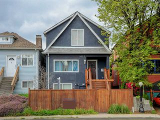 Main Photo: 1627 E 12TH Avenue in Vancouver: Grandview VE House for sale (Vancouver East)  : MLS®# R2264404