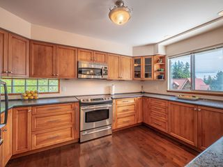 Photo 2:  in Sechelt: Sechelt District House for sale (Sunshine Coast)  : MLS®# R2272815