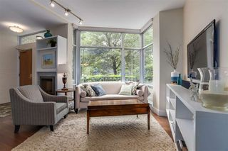 Photo 2: TH107 1288 MARINASIDE Crescent in Vancouver: Yaletown Townhouse for sale (Vancouver West)  : MLS®# R2276304