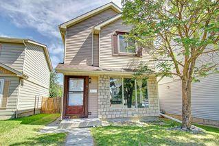Photo 2: 16 ERIN CROFT Green SE in Calgary: Erin Woods Detached for sale : MLS®# C4193152