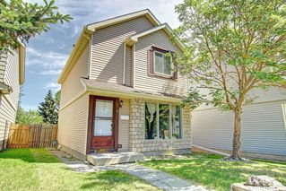 Photo 1: 16 ERIN CROFT Green SE in Calgary: Erin Woods Detached for sale : MLS®# C4193152