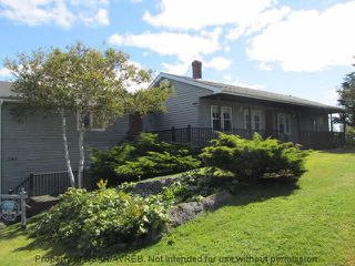 Photo 3: 244 ROUND BAY FERRY Road in Round Bay: 407-Shelburne County Residential for sale (South Shore)  : MLS®# 201822768