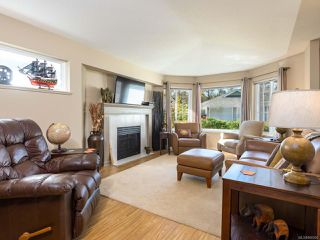 Photo 2: 3 2010 20th St in COURTENAY: CV Courtenay City Row/Townhouse for sale (Comox Valley)  : MLS®# 800200